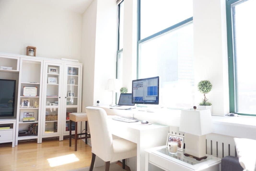 Comment bien aménager son espace de travail à la maison ?